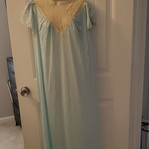 Vintage Dixie Belle gown and robe set.